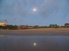 luna en la playa de aguas dulces