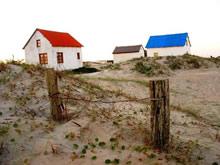 foto de ranchos con techos de colores